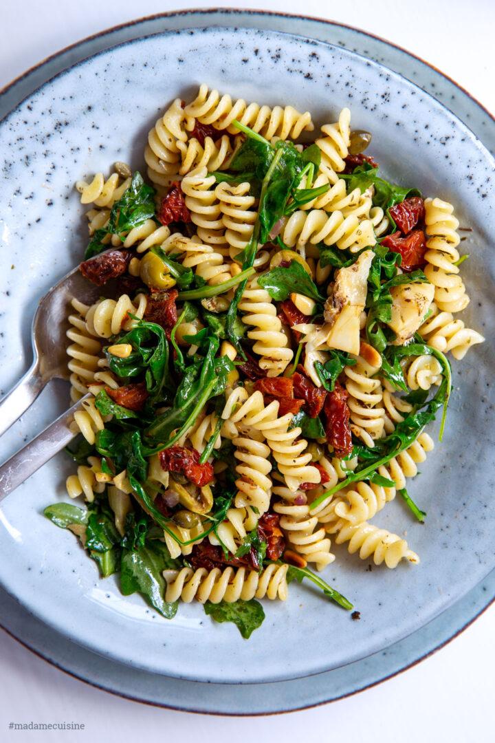 Pasta mit getrockneten Tomaten und Pinienkernen | Madame Cuisine Rezept