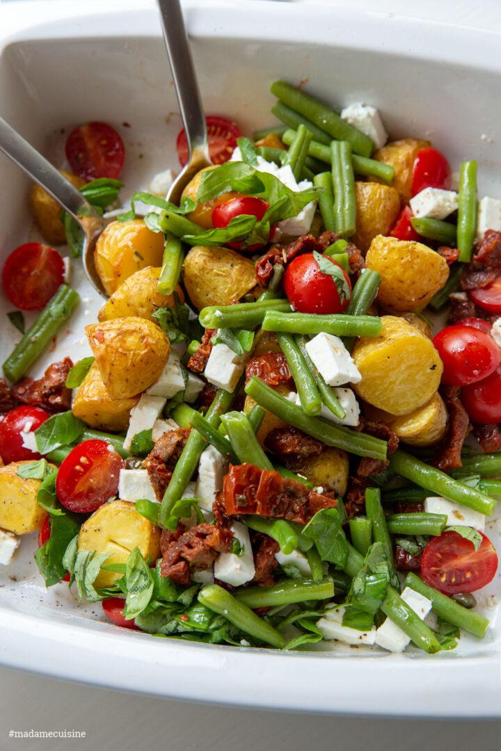 Ofenkartoffel-Salat mit Bohnen, Tomaten & Feta | Madame Cuisine Rezept