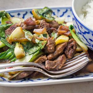 Asiatisches Rind mit Pak Choi und Chili | Madame Cuisine Rezept