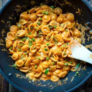 Pasta mit Erbsen und Tomatensugo | Madame Cuisine Rezept