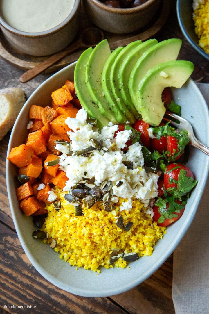 Blumenkohl-Bowl mit Süßkartoffeln & Avocado | Madame Cuisine Rezept