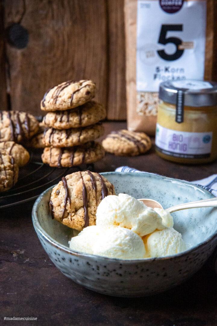 Haferflockenkekse mit Honig und Vanilleeis | Madame Cuisine Rezept