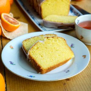 Saftiger Orangenkuchen mit Zuckerguss | Madame Cuisine Rezept