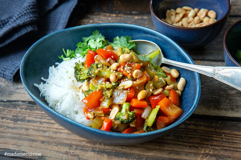 Szechuan Gemüse mit gerösteten Erdnüssen   Madame Cuisine