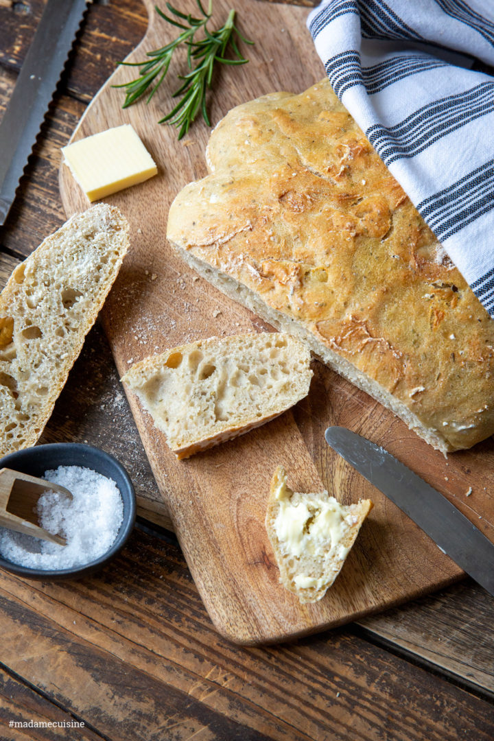 Brot aus dem Topf mit Rosmarin | Madame Cuisine Rezept