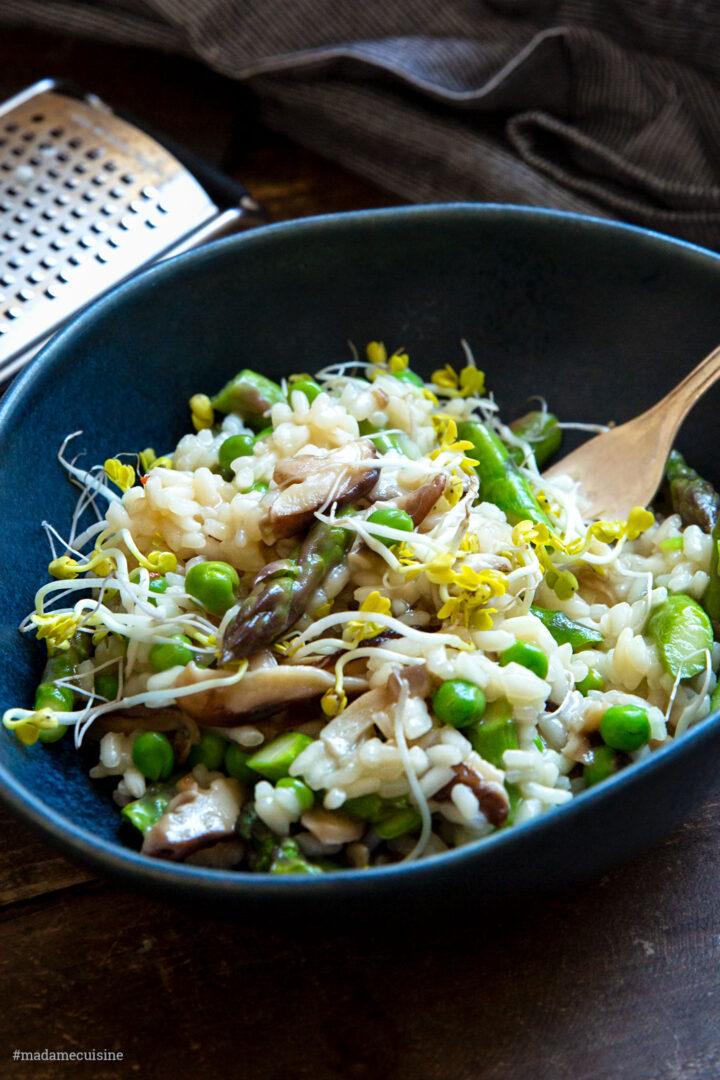 Risotto mit Miso, Erbsen und grünem Spargel   Madame Cuisine Rezept