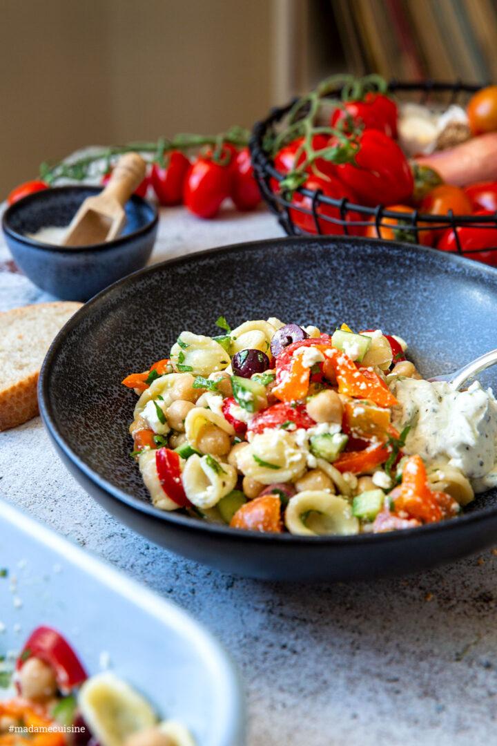 Griechischer Pasta-Salat mit Tsatsiki | Madame Cuisine Rezept