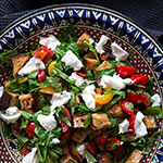Brotsalat mit Tomaten, Nektarine und Mozzarella | Madame Cuisine Rezept