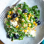 Bulgursalat mit Mais, Rucola & Blaubeeren   Madame Cuisine Rezept