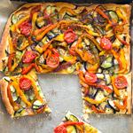 Coca de Verdura: Spanische Gemüsepizza | Madame Cuisine Rezept