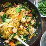 Asiatische Bratnudeln mit Garnelen | Madame Cuisine Rezept