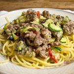 Pasta mit Zucchini, Auberginen und Hackfleisch | Madame Cuisine Rezept