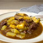 Gulasch mit Ananas (Gulasch Hawaii) | Madame Cuisine Rezept