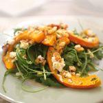 Spinatsalat mit gebratenen Kürbisspalten | Madame Cuisine Rezept