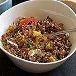 Roter Reissalat mit Mango und Kokosraspeln | Madame Cuisine Rezept